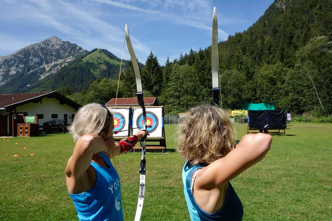Langlaufschule Achensee Bogenbiathlon Laufen Konzentration zielen Pertisau