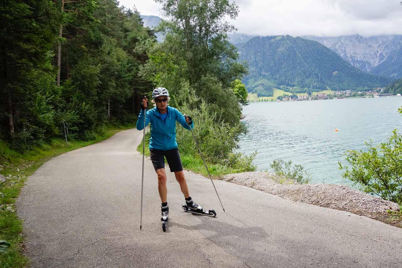 Langlaufschule Achensee Skirollern entlang des Achensees Skating einfache Tour Pertisau